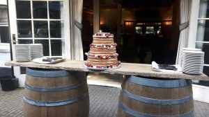 naked-cake tijdens indian summer wedding